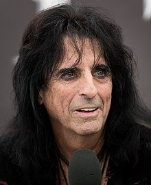 Im Eighteen Chords And Lyrics On The Acoustic By Alice Cooper
