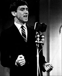 It Hurts To Be In Love Chords And Lyrics Gene Pitney On The Acoustic Guitar